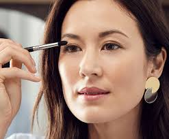 10 Makeup Techniques That Will Make Your Eyes Pop | Dermstore Blog