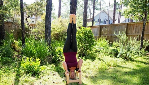 How to Hang Upside Down Without Inversion Table